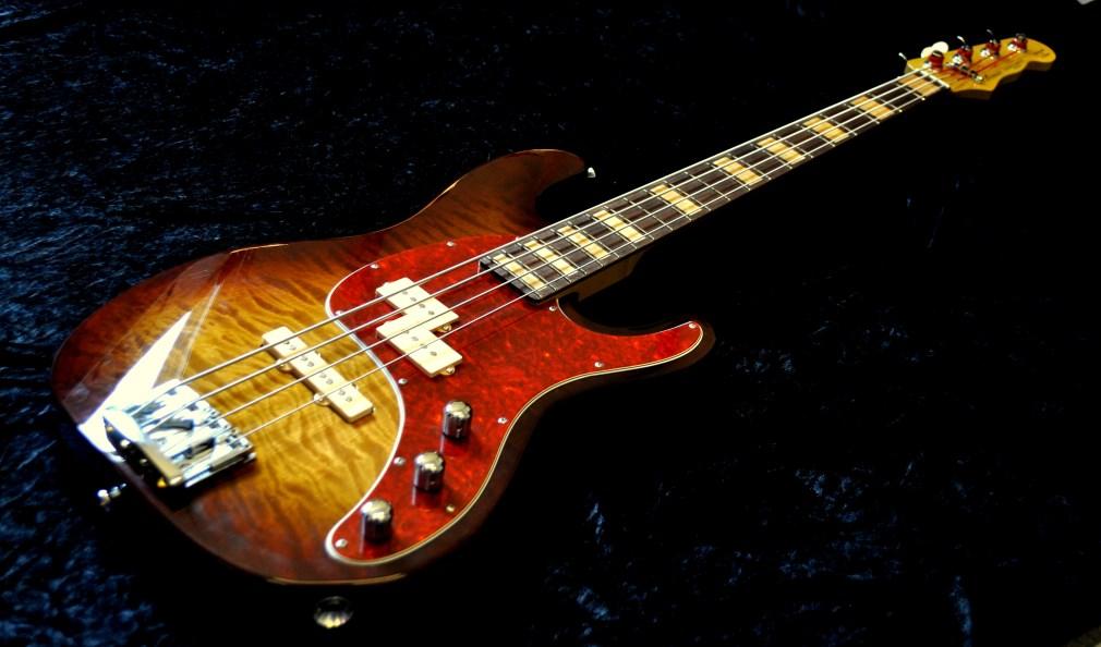 NWS Bass, Sting