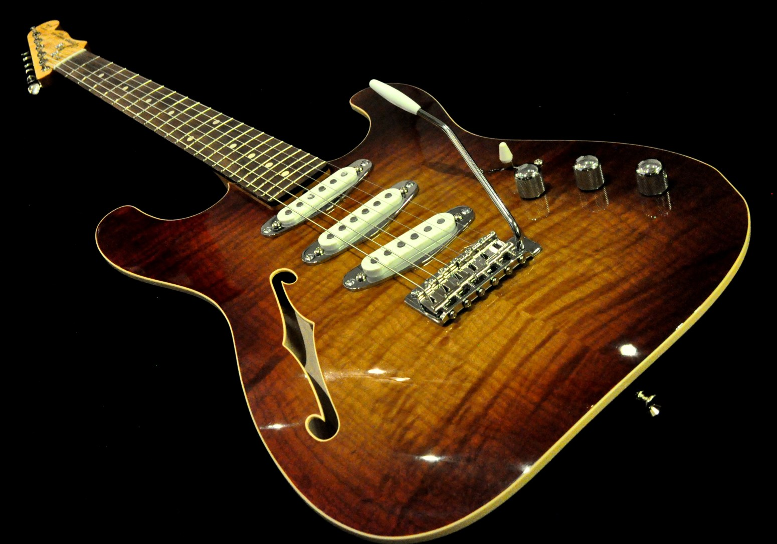 St-Style, Contoured Thinline, Maple Top